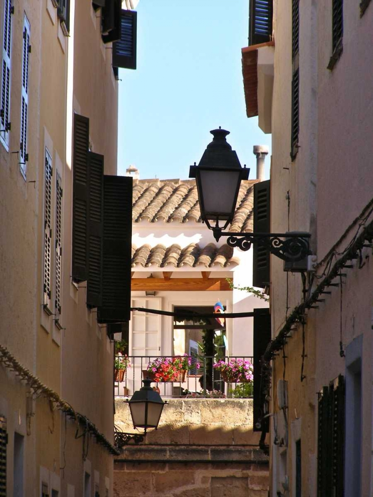 Menorca Street Roof And Lamp May 125888