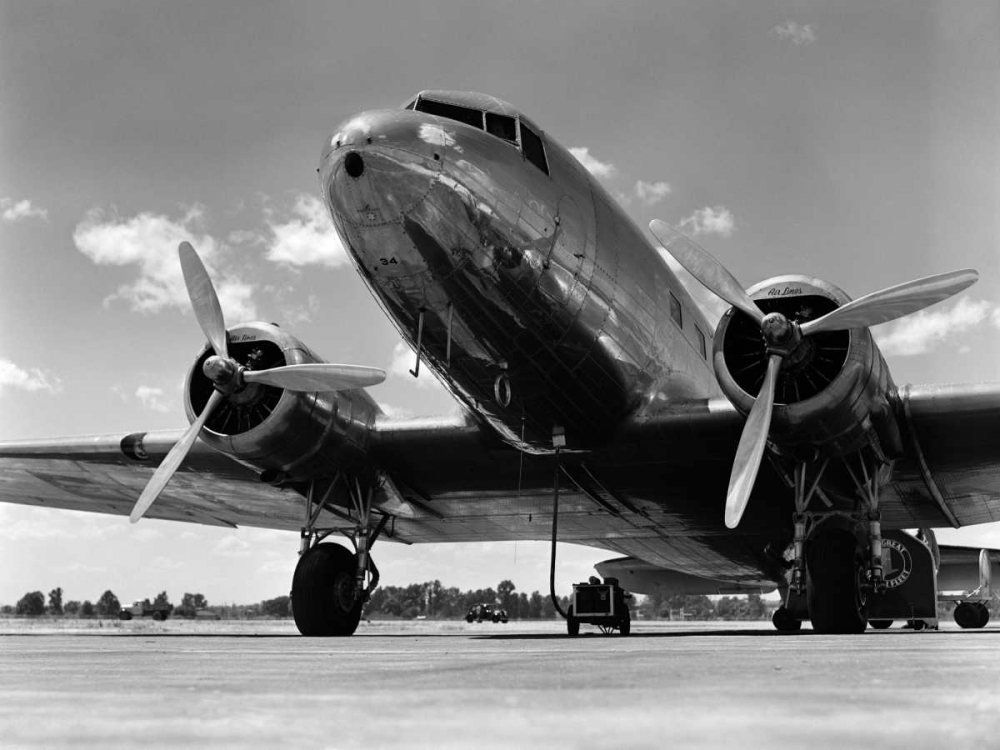 1940s Passenger Airplane Armstrong Roberts, H. 118064