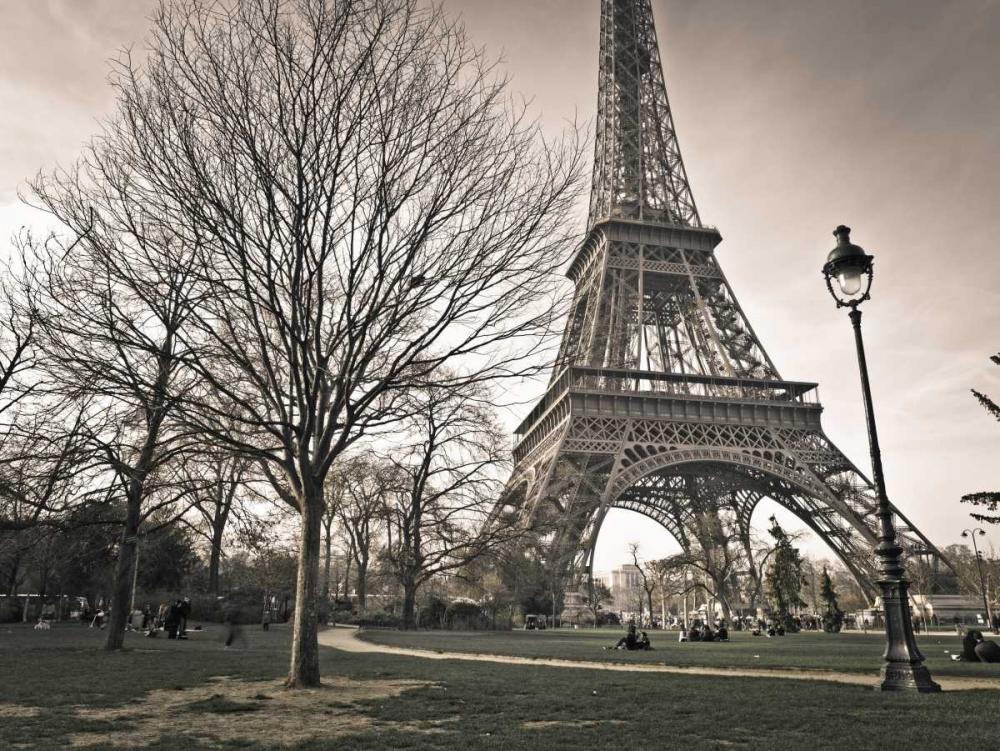 View of Eiffel tower from park, Paris, France Frank, Assaf 103353