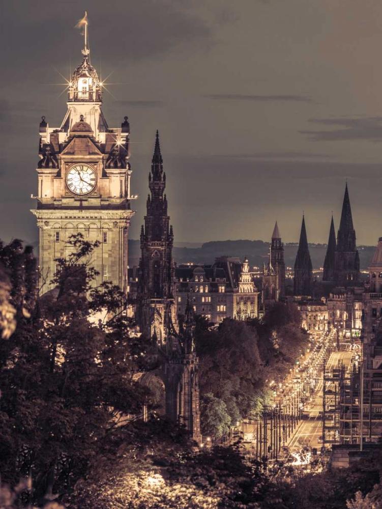 Princess streen and the Balmoral Hotel and night, Edinbrugh, Scotland Frank, Assaf 101889