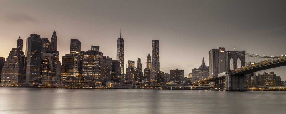 Evening shot of Lower Manhattan skyline, New York Frank, Assaf 103531