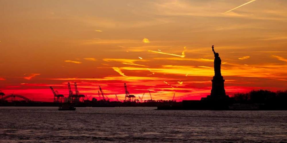 Statue of Liberty at sunset, New York Frank, Assaf 103593