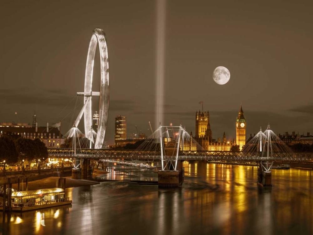 Night view of the London Eye, Golden Jubilee bridge and Westminster, London, UK Frank, Assaf 103666