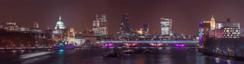 Panoramic view of London skyline Frank, Assaf 103724