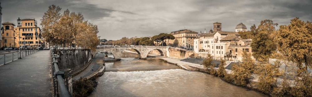 Tiber river through the city of Rome, Italy Frank, Assaf 103810