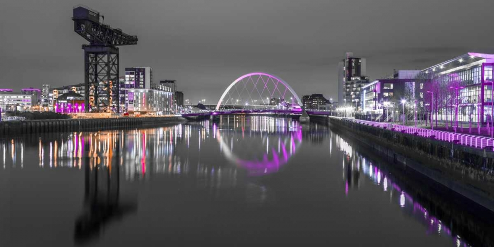 View along the river Clyde at night, Glasgow Frank, Assaf 104408