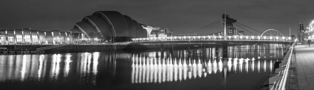 View along the river Clyde at night, Glasgow Frank, Assaf 104409