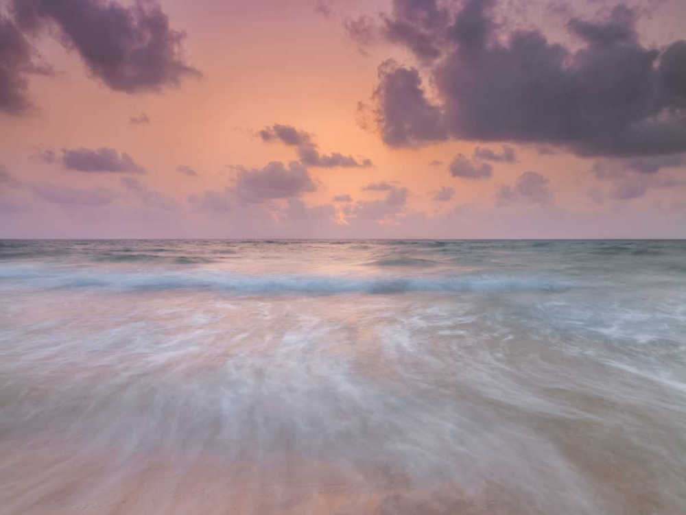 Tranquil beach with cloudscapes Frank, Assaf 103975