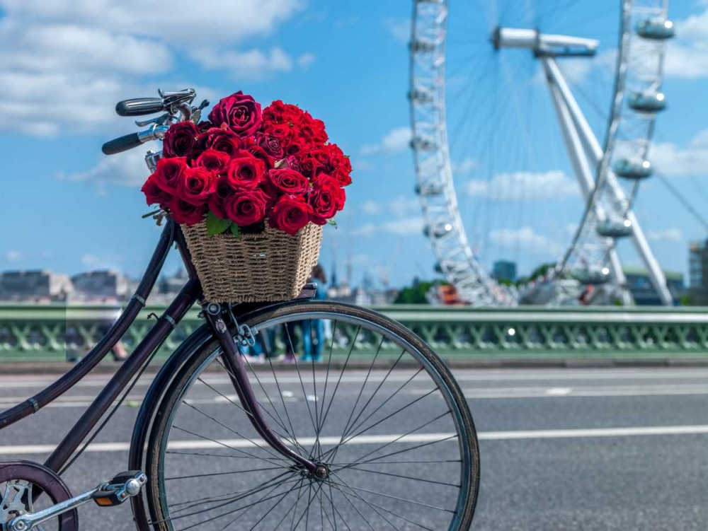 Bicycle with bunch of flowers on Westminster Bridge with London Eye in background , London, UK Frank, Assaf 103994