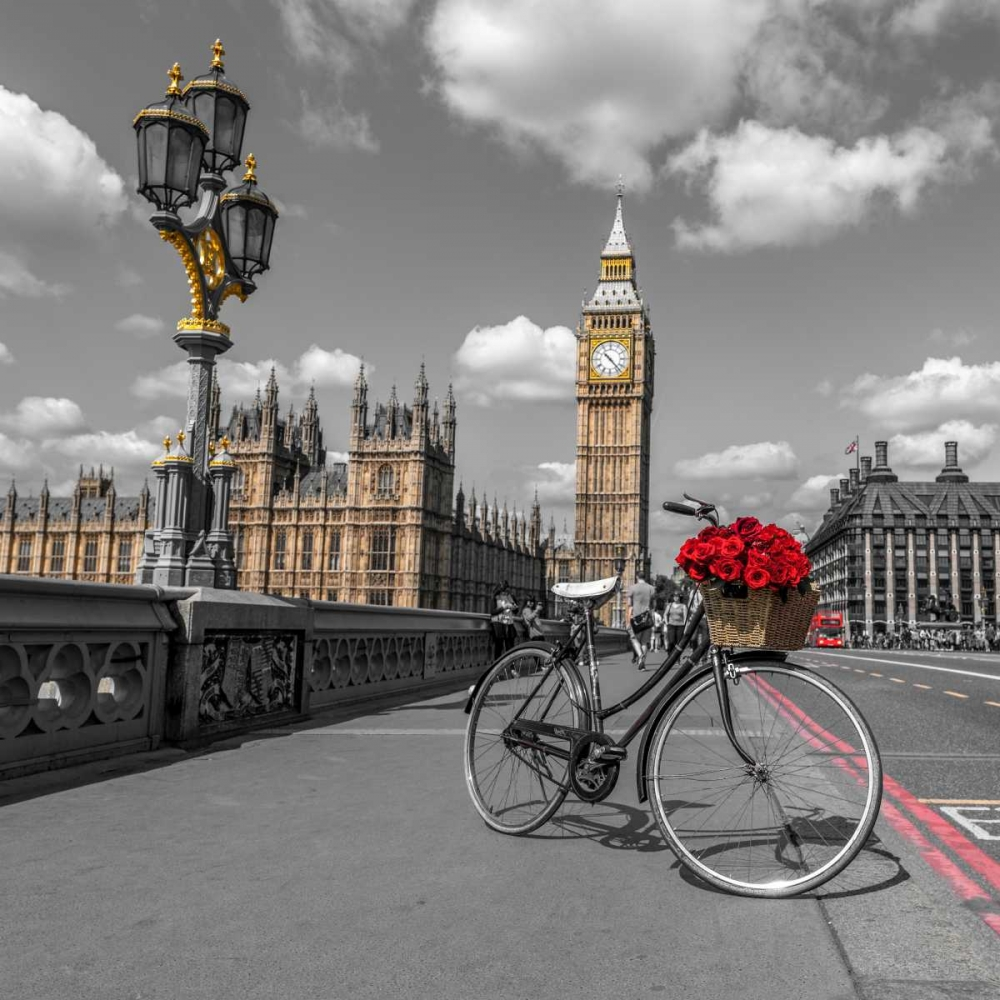 Bicycle with bunch of flowers on Westminster Bridge, London, UK Frank, Assaf 103999