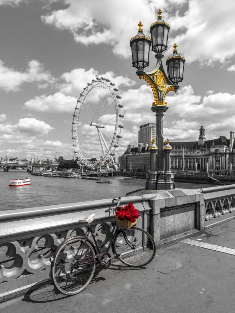 Bicycle with bunch of flowers on Westminster Bridge, London, UK Frank, Assaf 104005