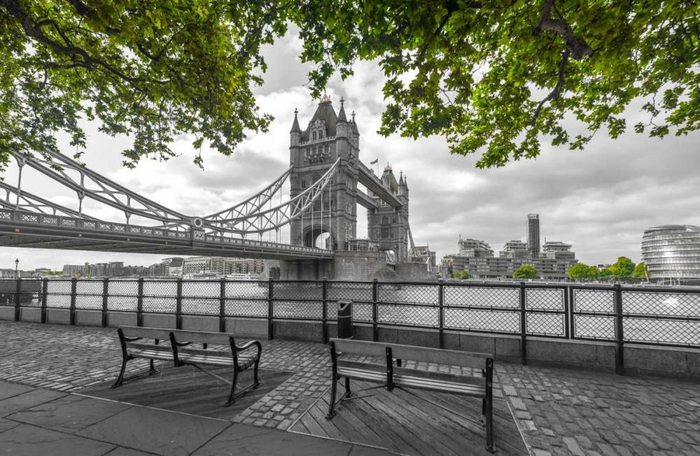Thames promenade with Tower bridge in background, London, UK Frank, Assaf 104045