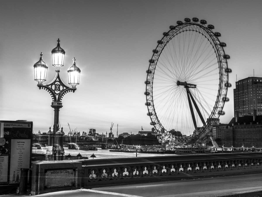 Street lamp on Westminster Bridge with London Eye in background, London, UK Frank, Assaf 104051