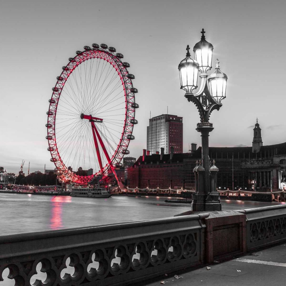 Street lamp on Westminster Bridge with London Eye in background, London, UK Frank, Assaf 104052