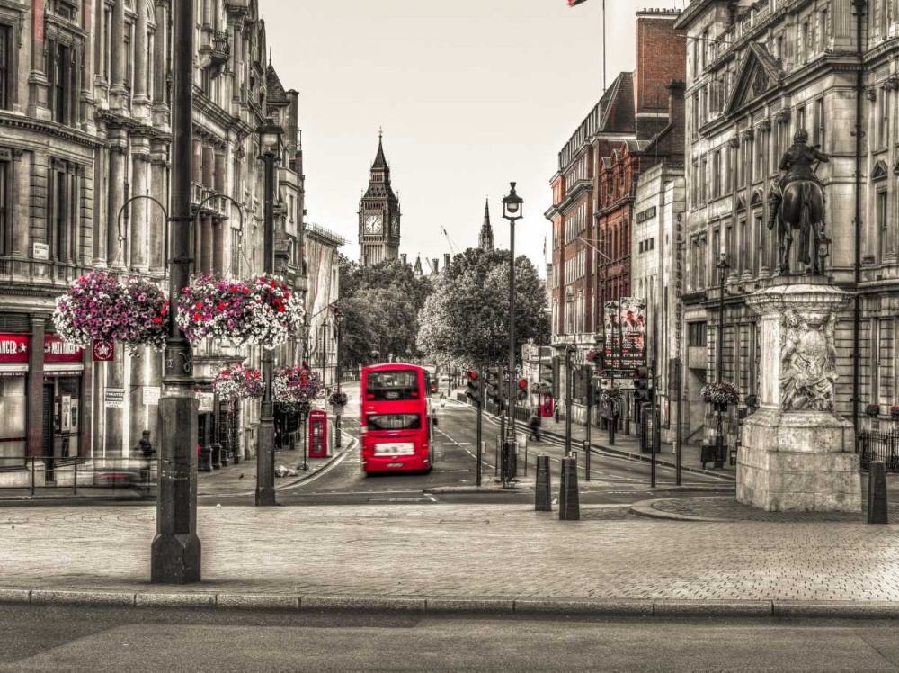Streets of London city with double decker bus, UK Frank, Assaf 104057