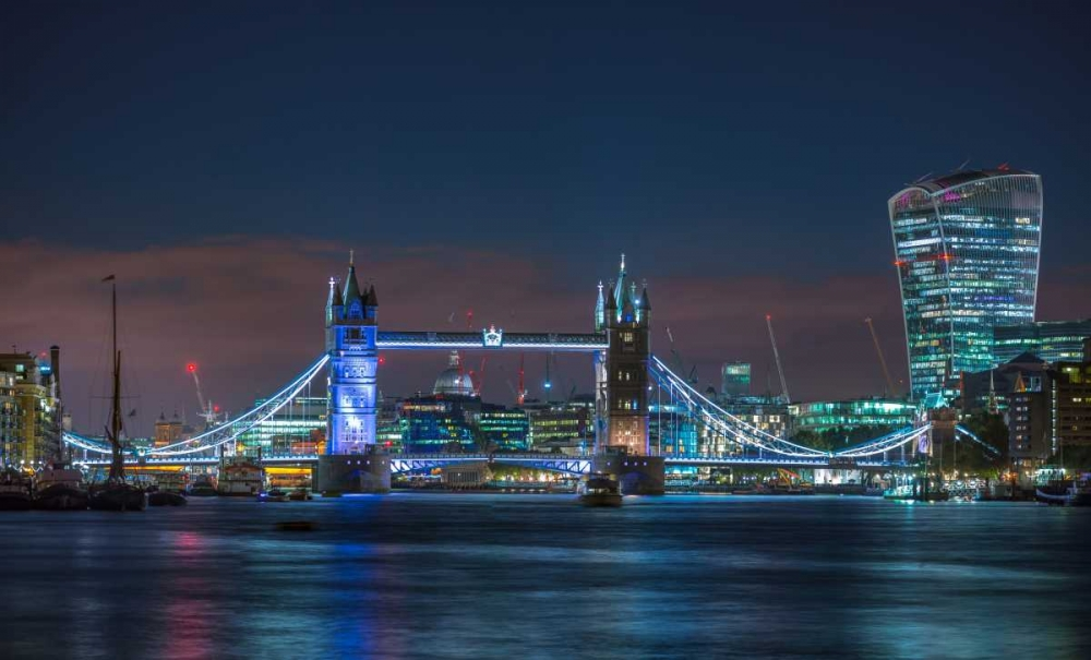 Famous Tower Bridge over River Thames, London, UK Frank, Assaf 104107