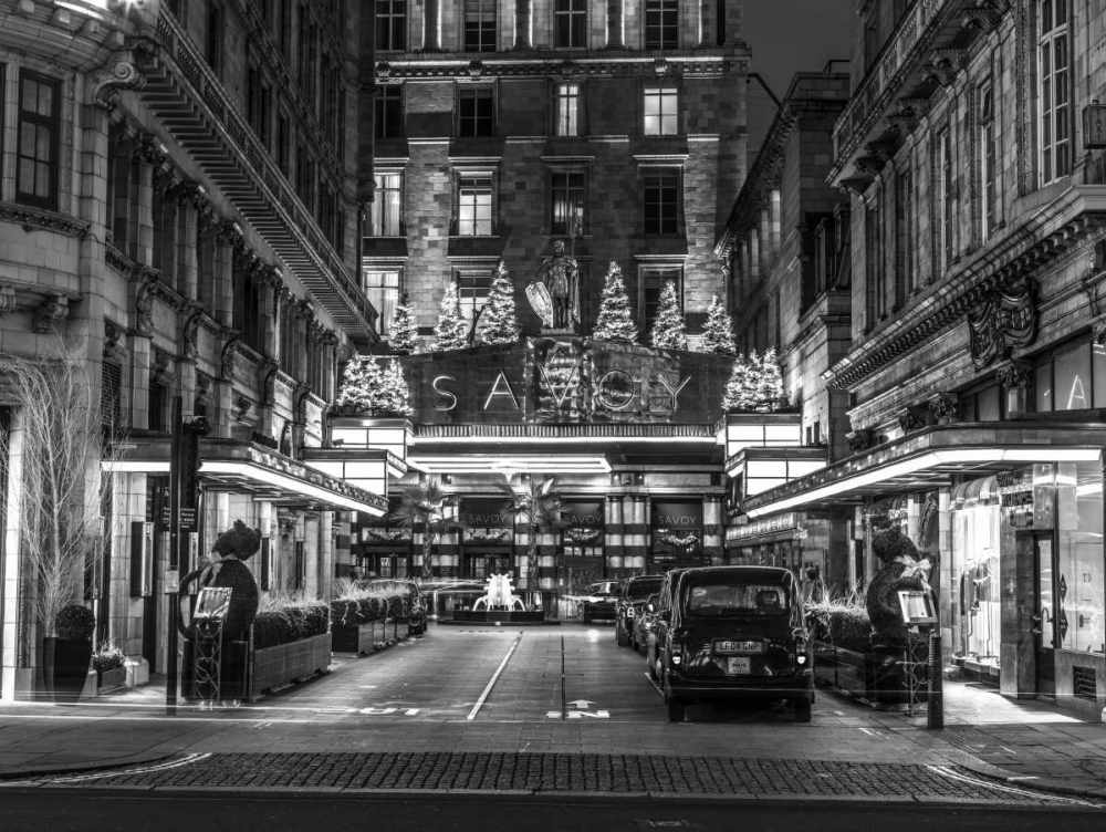 Black and white shot of London city street Frank, Assaf 104136