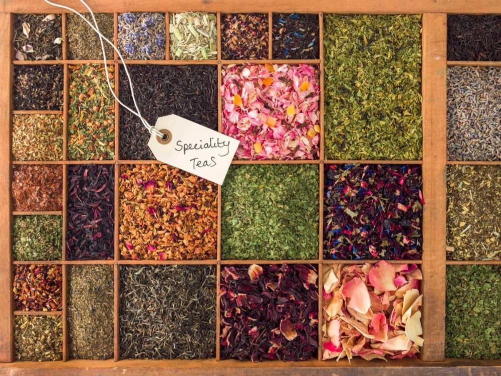 Varieties of tea in a wooden box Frank, Assaf 104369