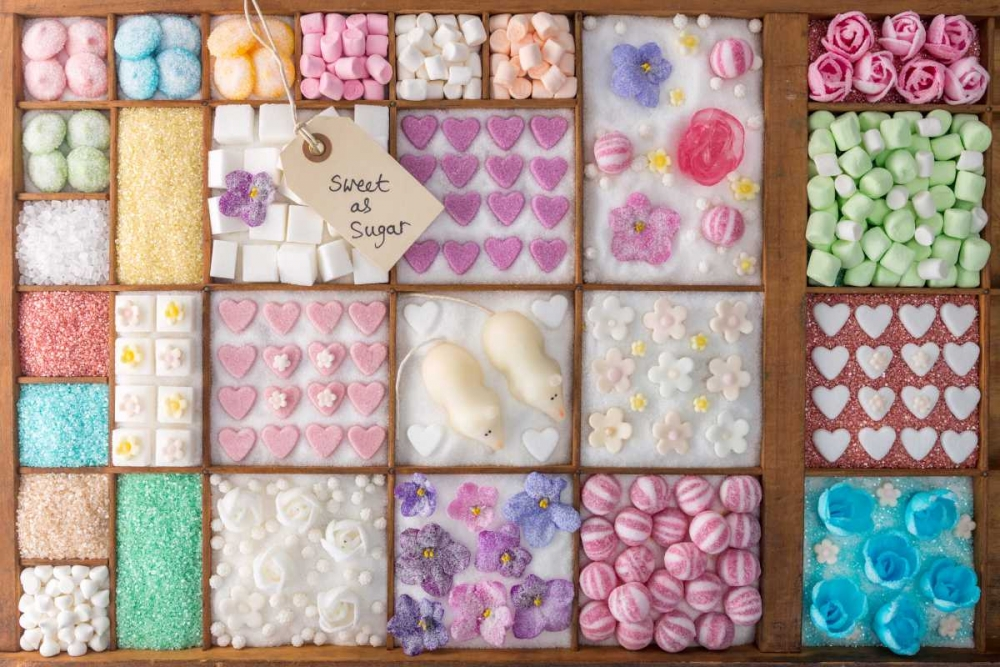 Mix of candies and sweets in wooden box Frank, Assaf 104381