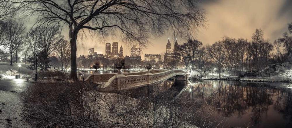 Central park Bow Bridge with Manhattan skyline, New York Frank, Assaf 158644
