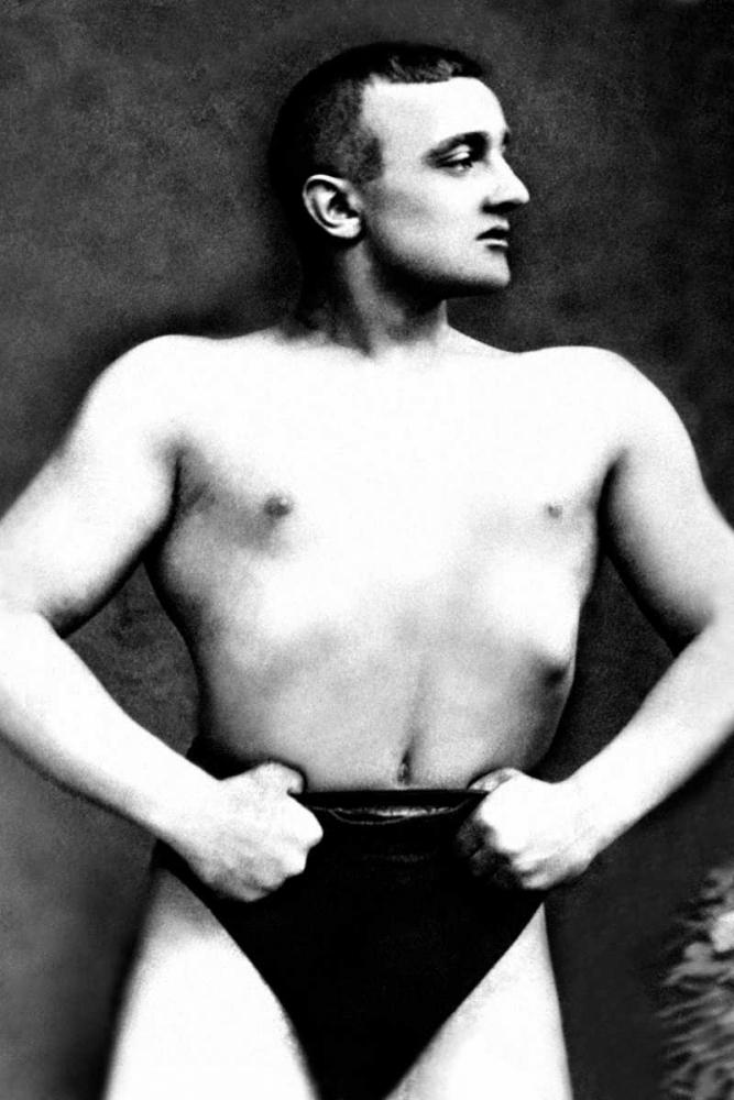 Bodybuilder with Thumbs Tucked in Belt Vintage Muscle Men 96974