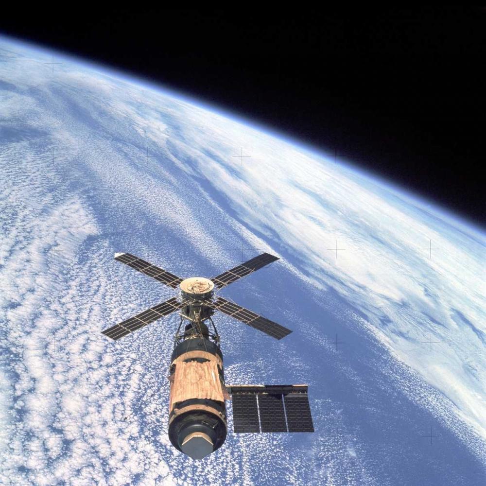 Skylab Orbital Workshop, viewed from Skylab 4 CSM, 1974 NASA 93052